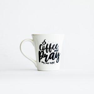 Caneca Coffee and  Pray