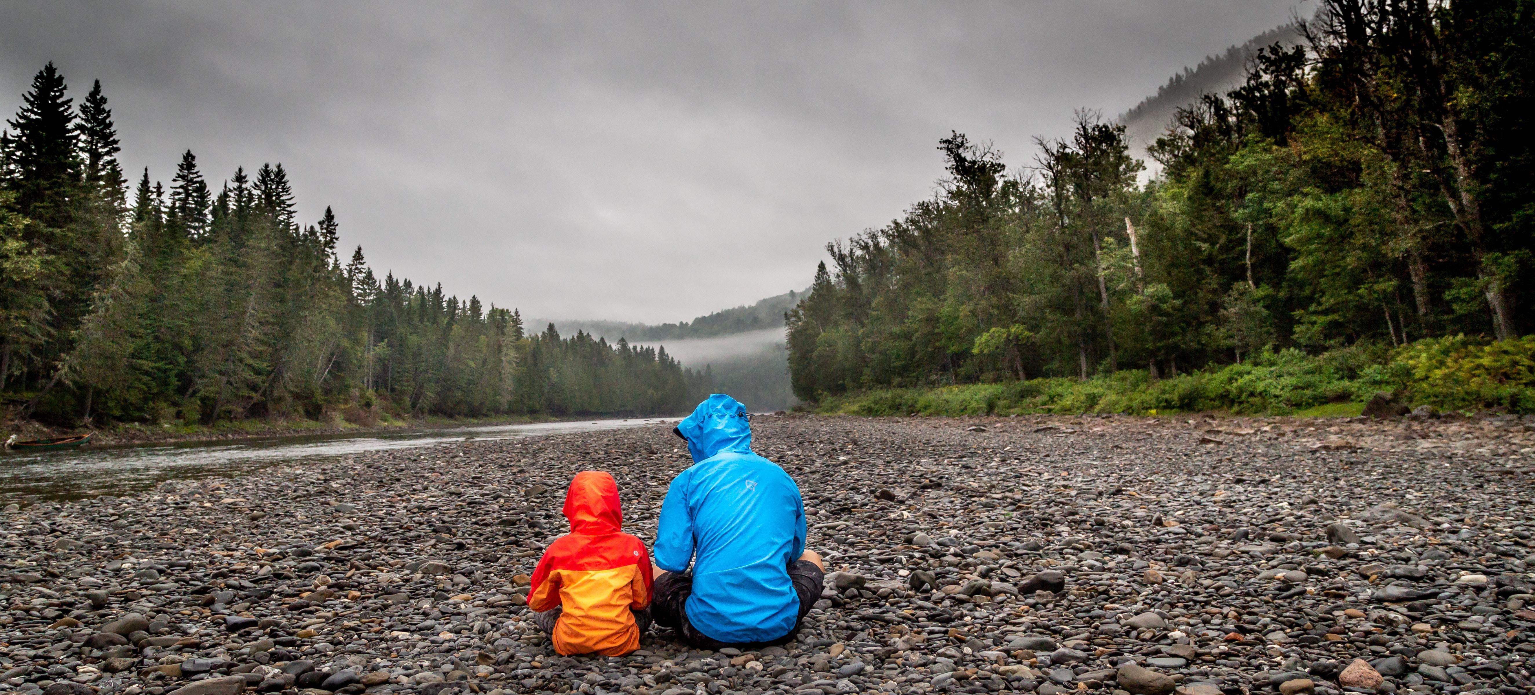 filhos de Deus observando a natureza