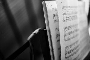 Como compor músicas de adoração