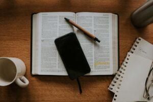a bíblia narra a vida do rei Davi